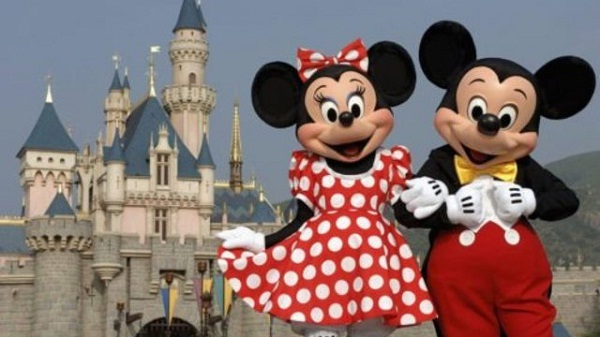 Disney Holidays Sweepstakes 2019: Win Disneyland Park Tickets